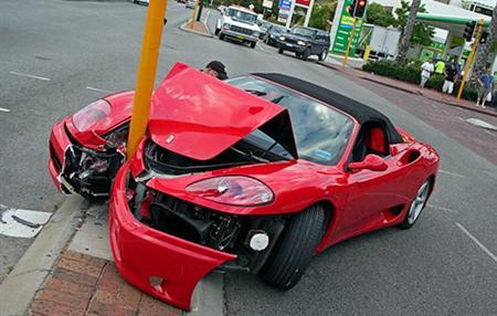 australia-ferrari-360-crash.jpg