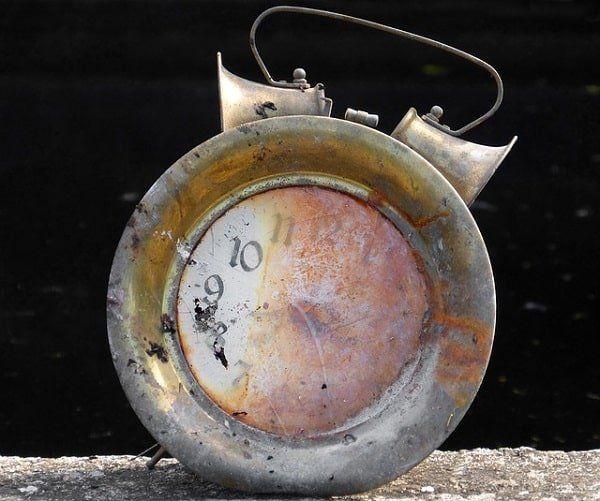 clock-4095100_640-min.jpg