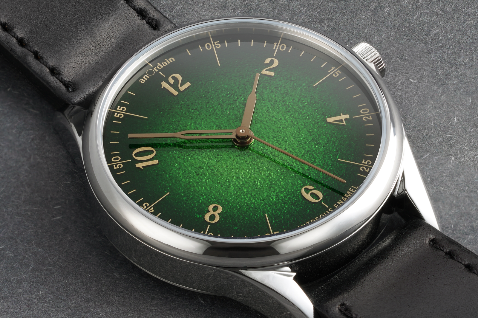Green-close-up.png