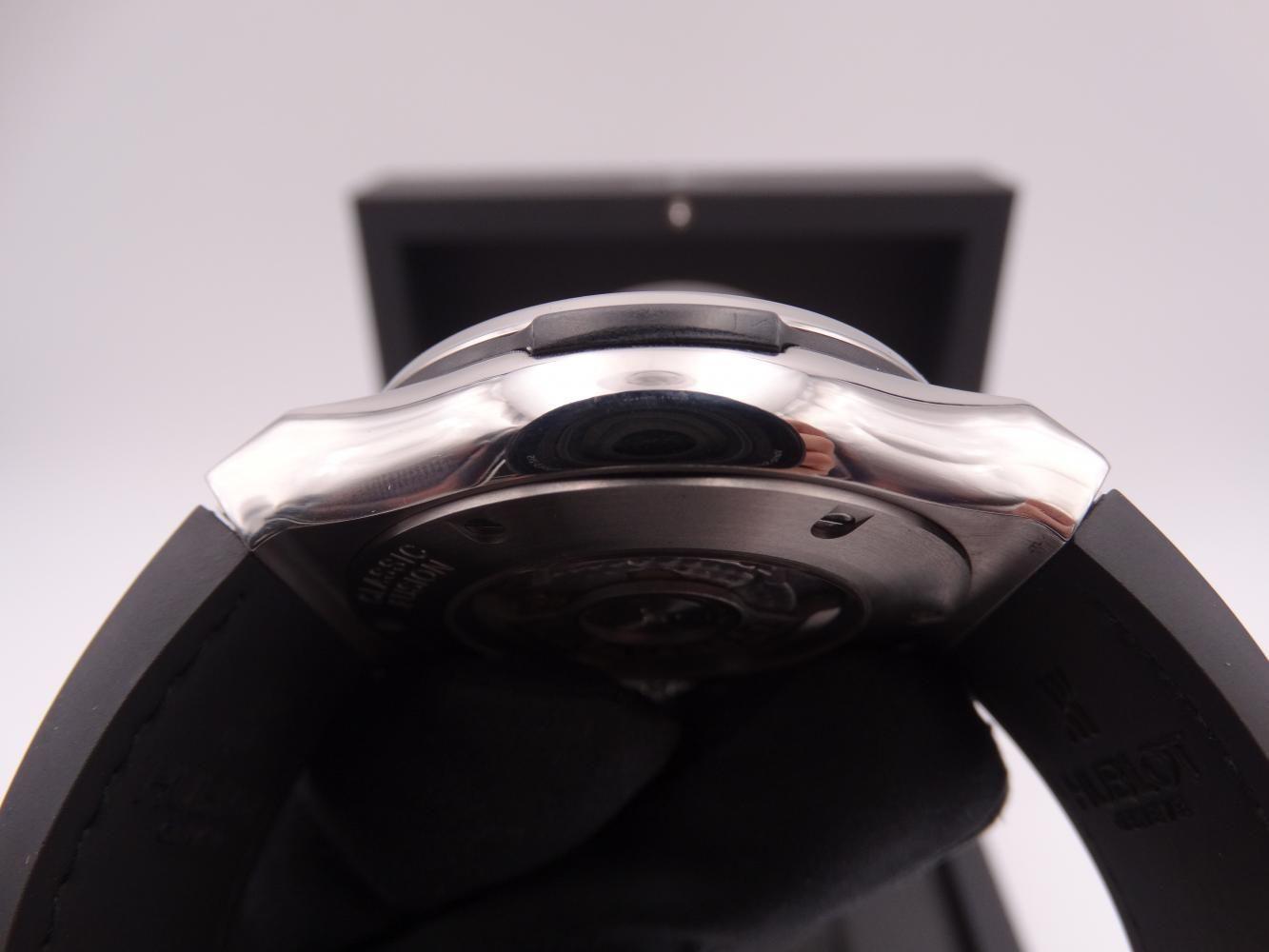 hublot classic fusion chronograph titanium 3586.jpg