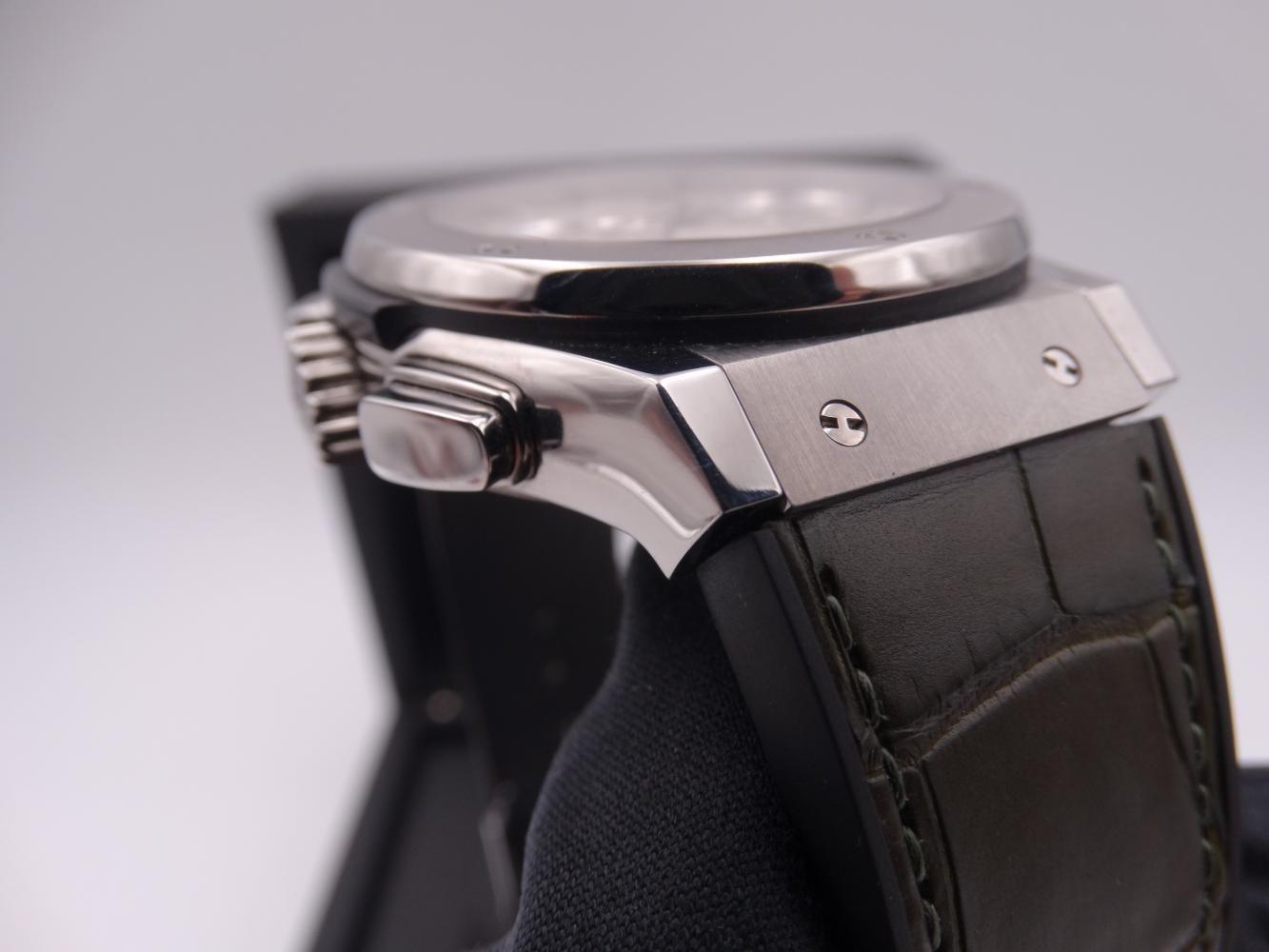 hublot classic fusion chronograph titanium 3594.jpg
