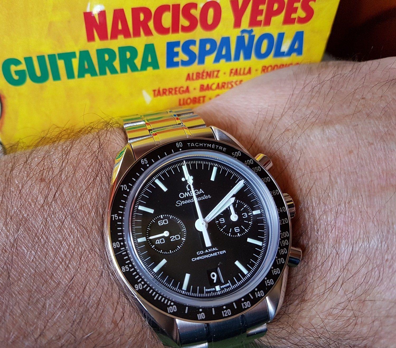 Omega Speedmaster Moonwatch Co-Axial Chronograph 44.25 mm Cal. 9300 (2).jpg