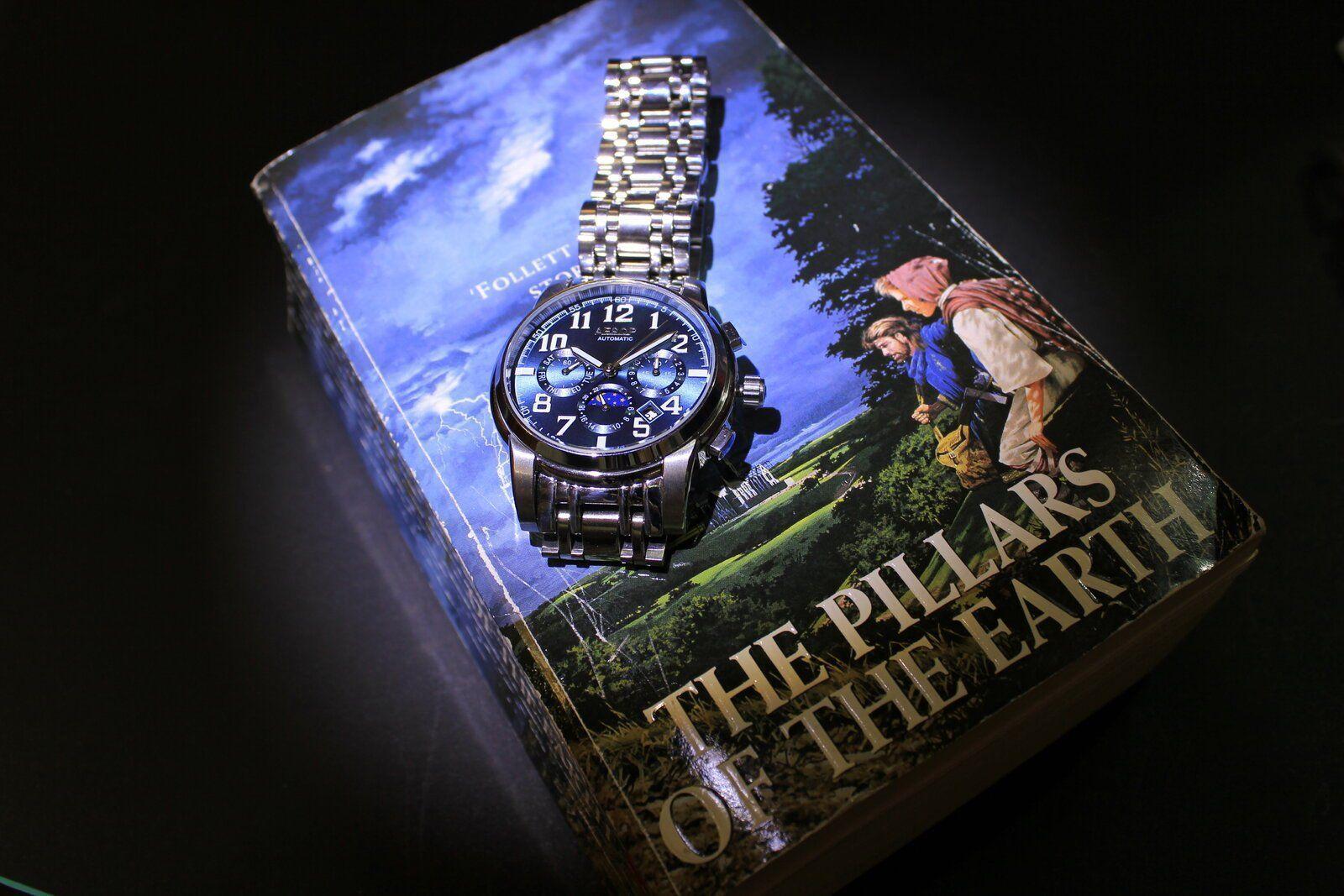 Reloj y libro.JPG