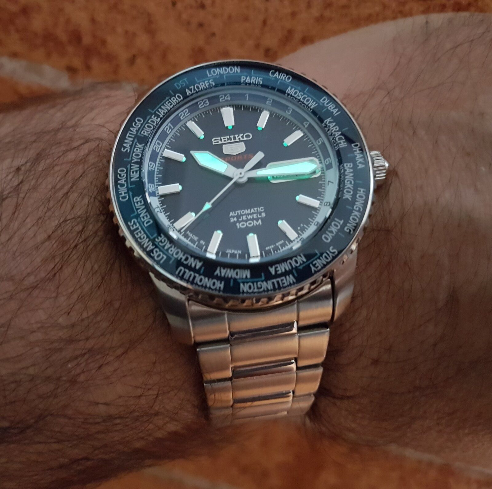 Seiko 5 Sports SRP125 World Time Cal. 4R36 Auto 100M (6).jpg
