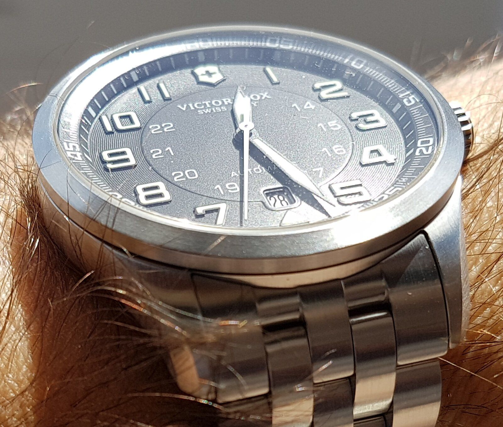 Victorinox Swiss Army AirBoss Mechanical #241508 (1).jpg