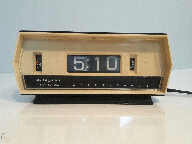 vintage-ge-8139-digital-alarm-clock_1_84bc24ed1a348250f0d4b66ae629cc3d.jpg