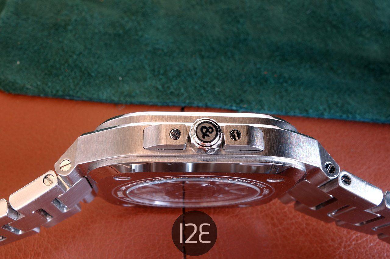 Detalle de la corona del Bell & Ross BR-05